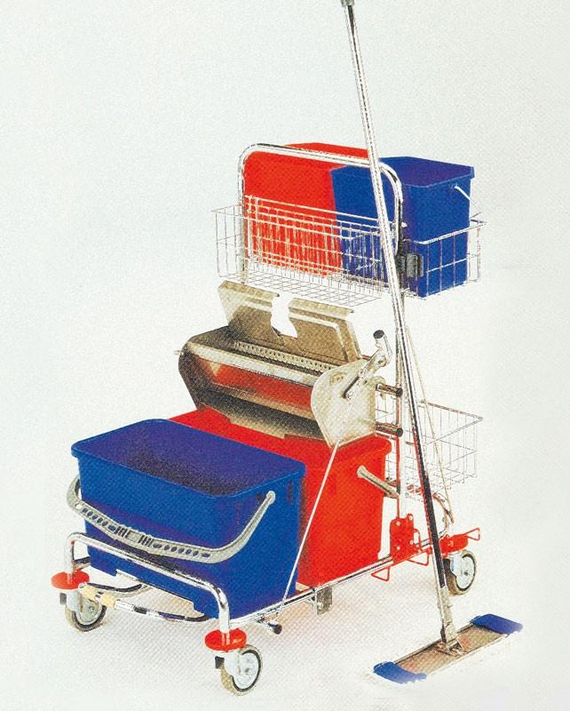 Rengøringsvogn med håndpresse