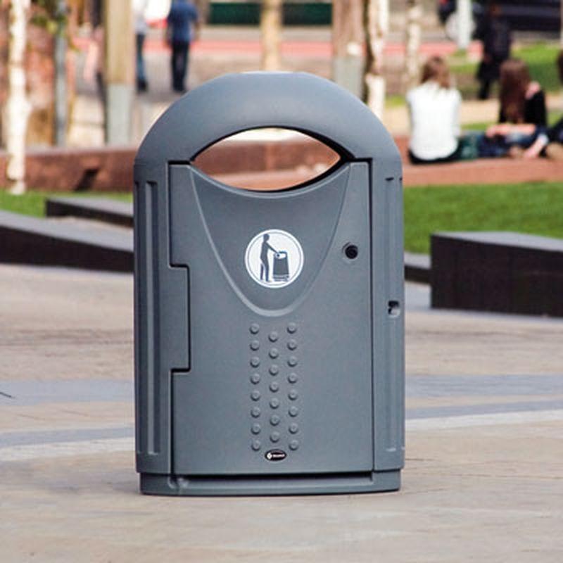 Miljøbox i plast udendørs